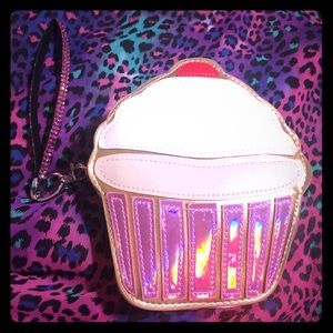 Handbags - Cupcake wristlet